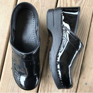 Dansko Cabrio Black Patent Leather Shine Clog